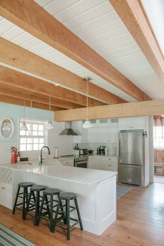 capulet-properties_otter-lake_kitchen2 at Otter Lake Living -  Cottage And Coach House,
