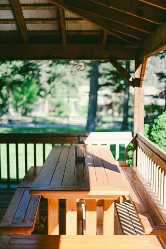 capulet-properties_otter-lake_picnic-area at Otter Lake Living -  Cottage And Coach House,