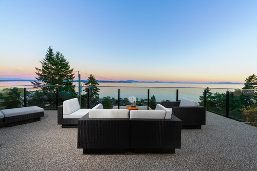 14-panoramic-views-upper-level at 14723 -  Upper Roper White Rock,