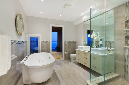 21-master-ensuite at 14723 -  Upper Roper White Rock,