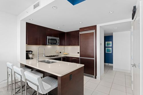 06-web at 506 - 15152 Russell Avenue,