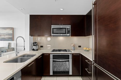 07-web at 506 - 15152 Russell Avenue,