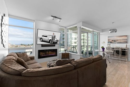 16-web at 506 - 15152 Russell Avenue,