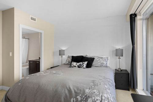 24-web at 506 - 15152 Russell Avenue,