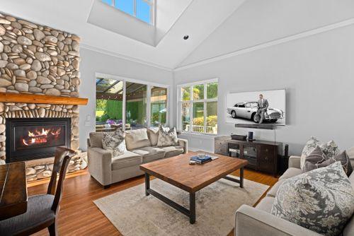 capulet-properties_15930-humberside_south-surrey-011 at 15930 Humberside Ave Surrey,