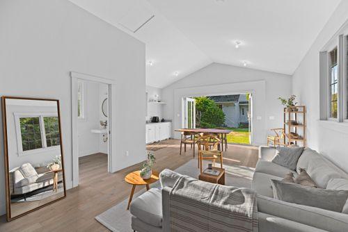 capulet-properties_15930-humberside_south-surrey-033 at 15930 Humberside Ave Surrey,