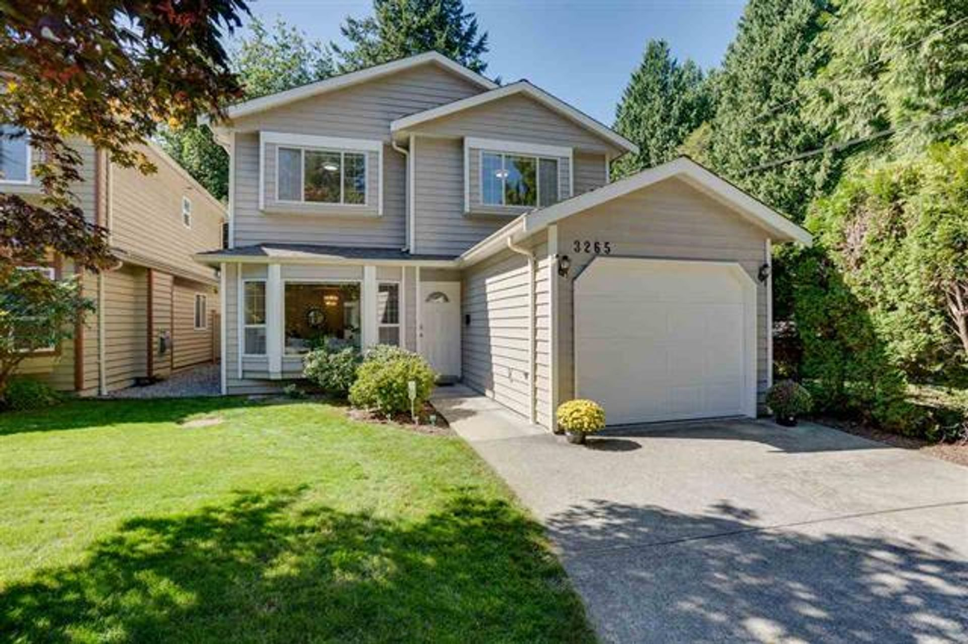 3265 Chaucer Avenue, Lynn Valley, North Vancouver photo number 1