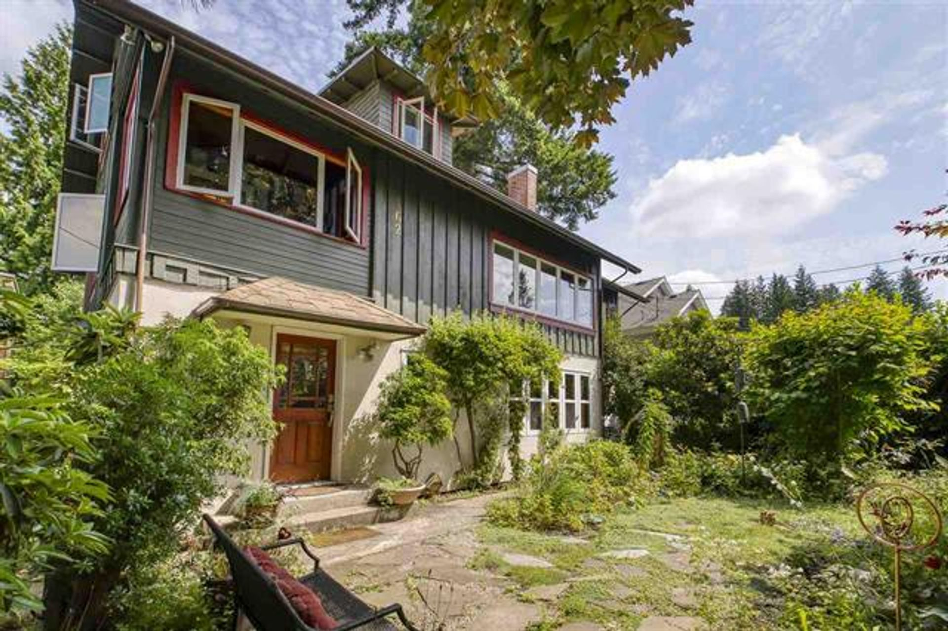 162 W Osborne Road, Upper Lonsdale, North Vancouver photo number 1