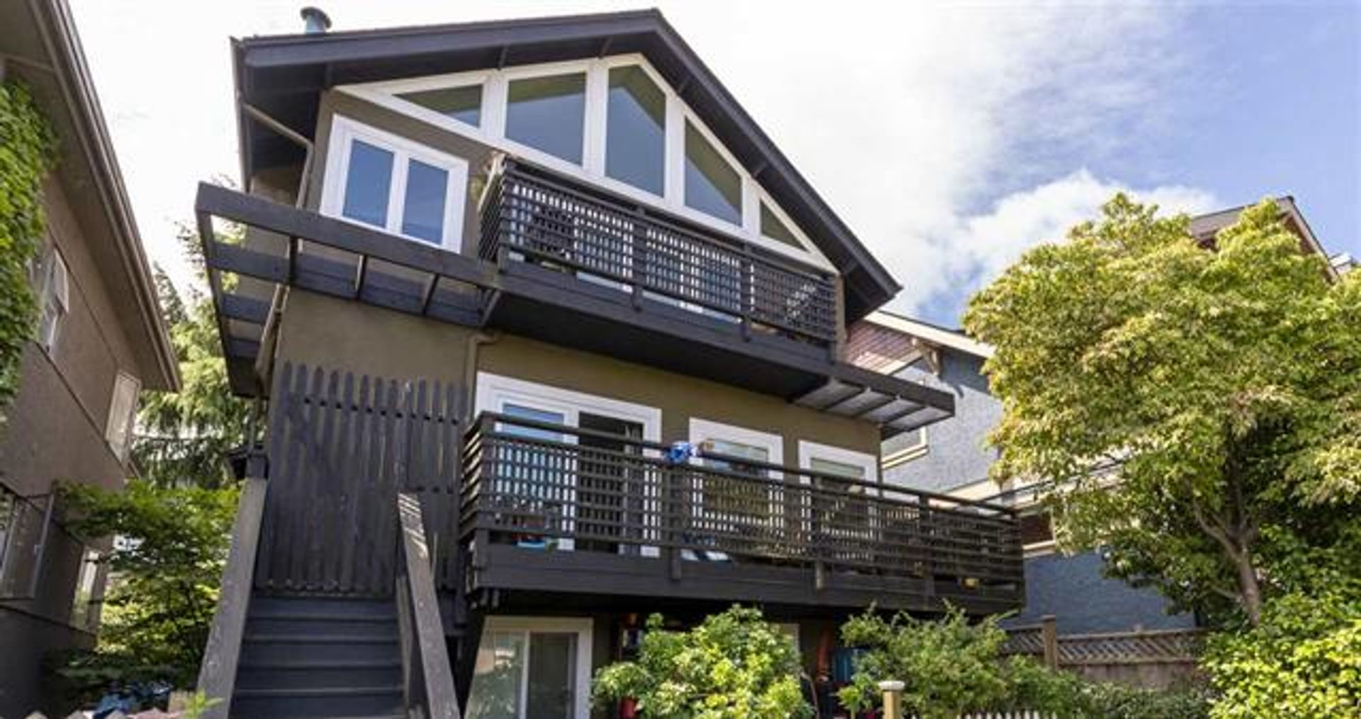 2144 W 3rd Avenue, Kitsilano, Vancouver West photo number 1