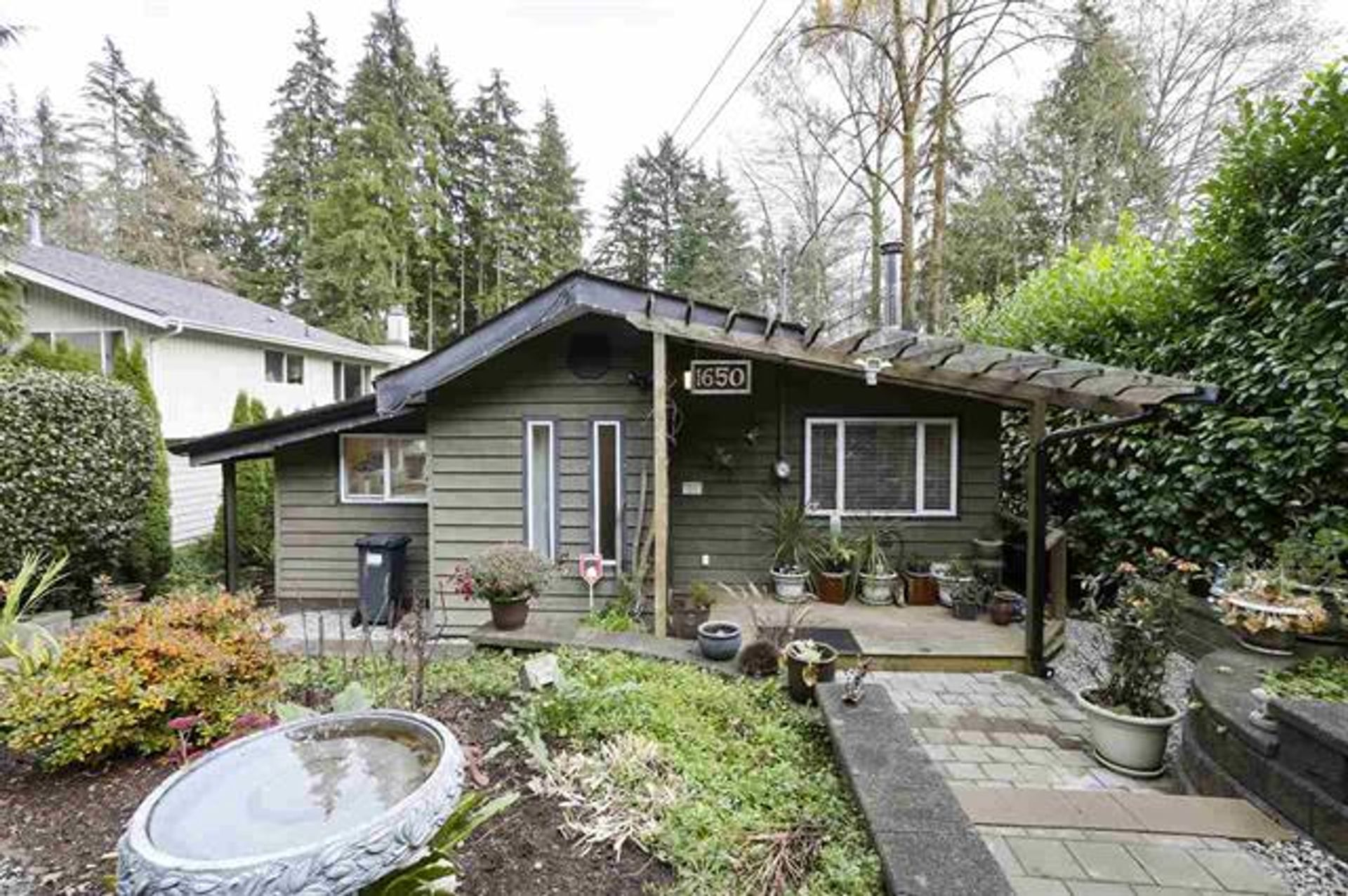 1650 Deep Cove Road, Deep Cove, North Vancouver photo number 1