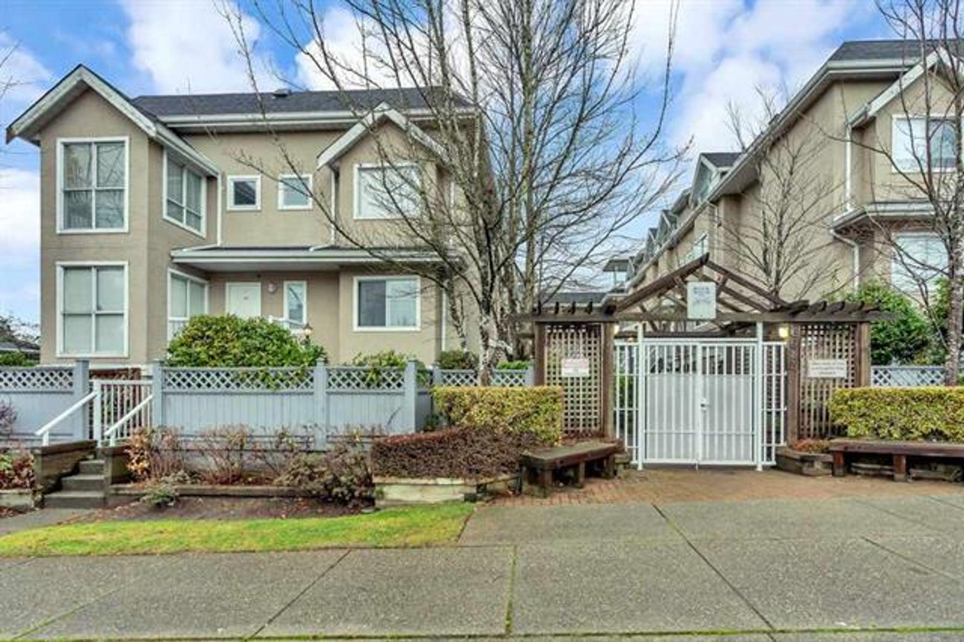 206 - 3683 Wellington Avenue, Collingwood VE, Vancouver East photo number 1