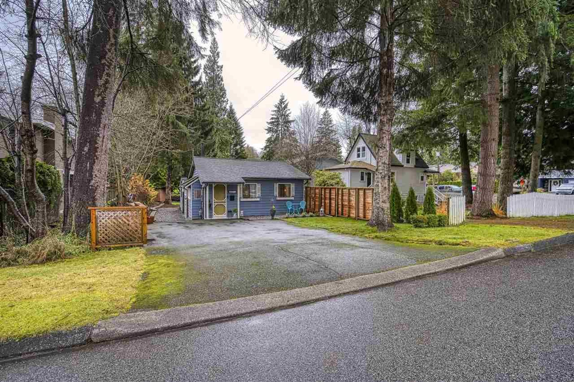 1517 Dracott Road, Lynn Valley, North Vancouver photo number 1