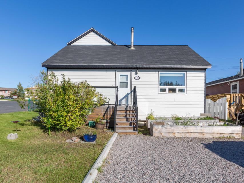 120 Knutsen Avenue, Frame Lake South, Yellowknife