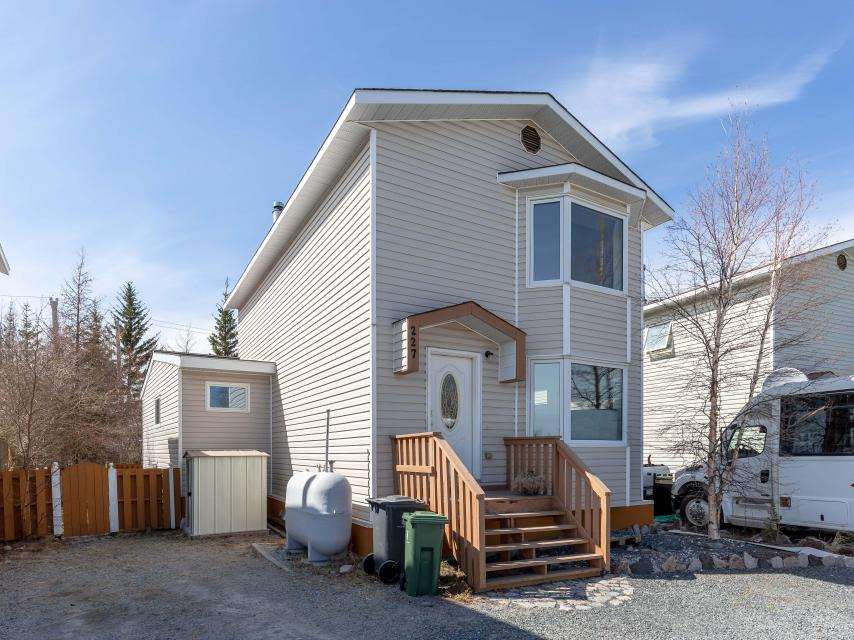 227 Borden Drive, Range Lake, Yellowknife
