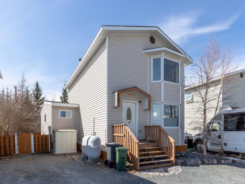 227 Borden Drive, Range Lake, Yellowknife