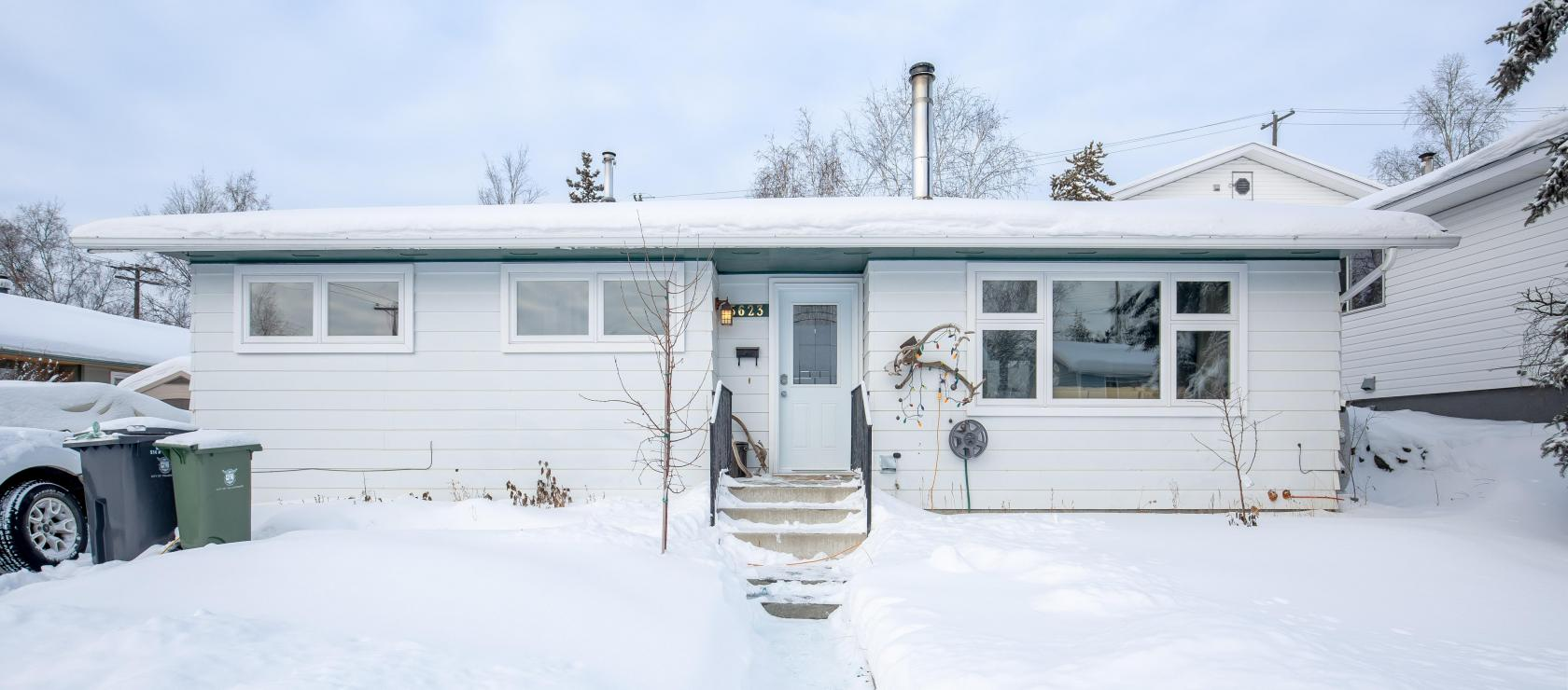5623 50a Avenue, Downtown, Yellowknife 2