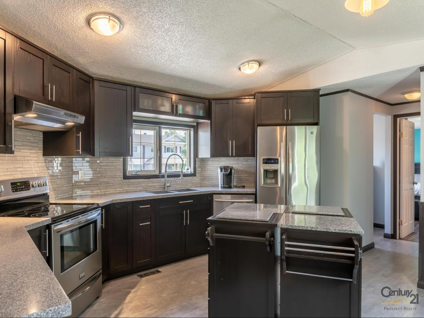 2 Butler Road, Range Lake, Yellowknife