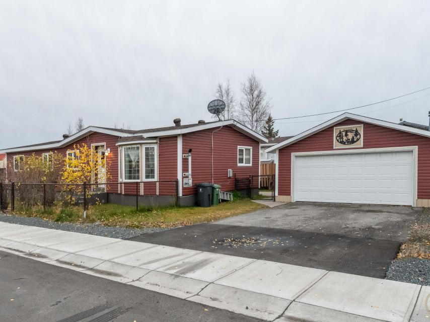 100 Dagenais Drive, Range Lake, Yellowknife