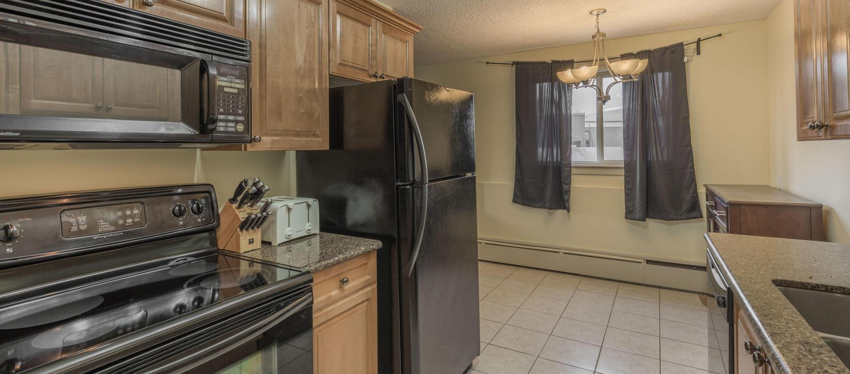 102 - 5600 52nd Avenue, Downtown, Yellowknife 2