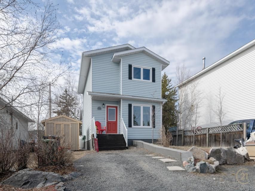 203 Borden Drive, Range Lake, Yellowknife