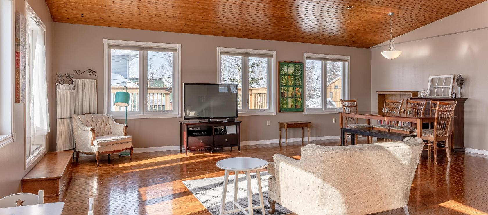 8 Lessard Drive, Old Town, Yellowknife 2