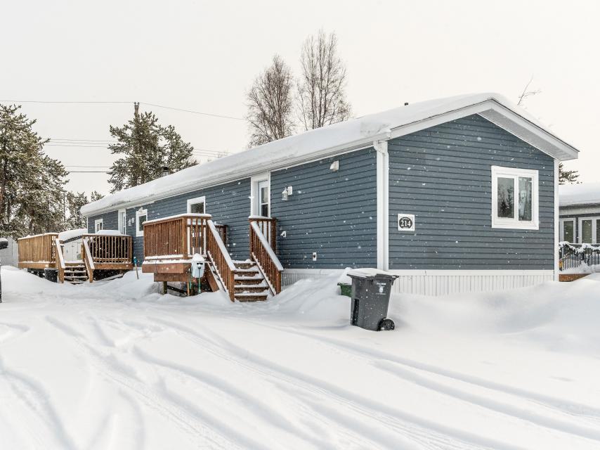214 Borden, Range Lake, Yellowknife