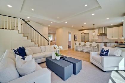 living room at 471 Pepper Avenue, Ventura, Palo Alto