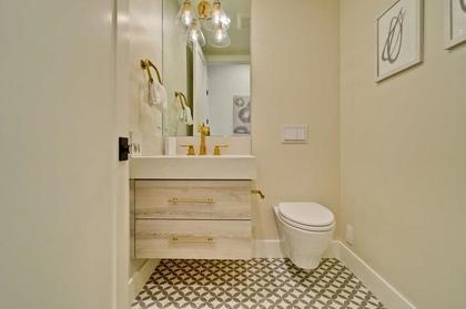 guest bathroom at 471 Pepper Avenue, Ventura, Palo Alto