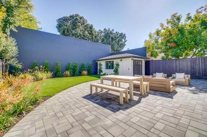 backyard view at 471 Pepper Avenue, Ventura, Palo Alto