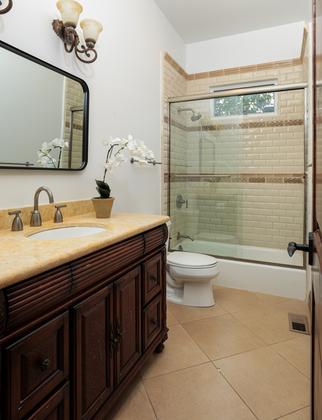 Bath 1 at 2198 Sterling Avenue, University Heights, Menlo Park