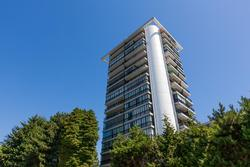 Building at 102 - 650 16th Street, Ambleside, West Vancouver