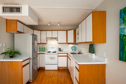 Kitchen at 102 - 650 16th Street, Ambleside, West Vancouver