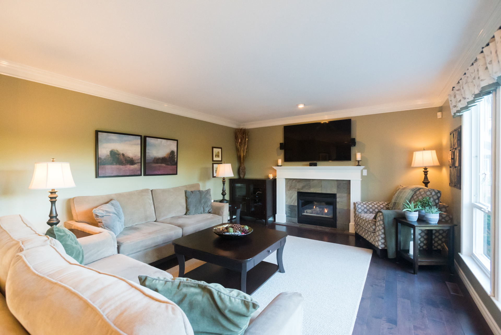 Family Room at 7378 146 Street, East Newton, Surrey