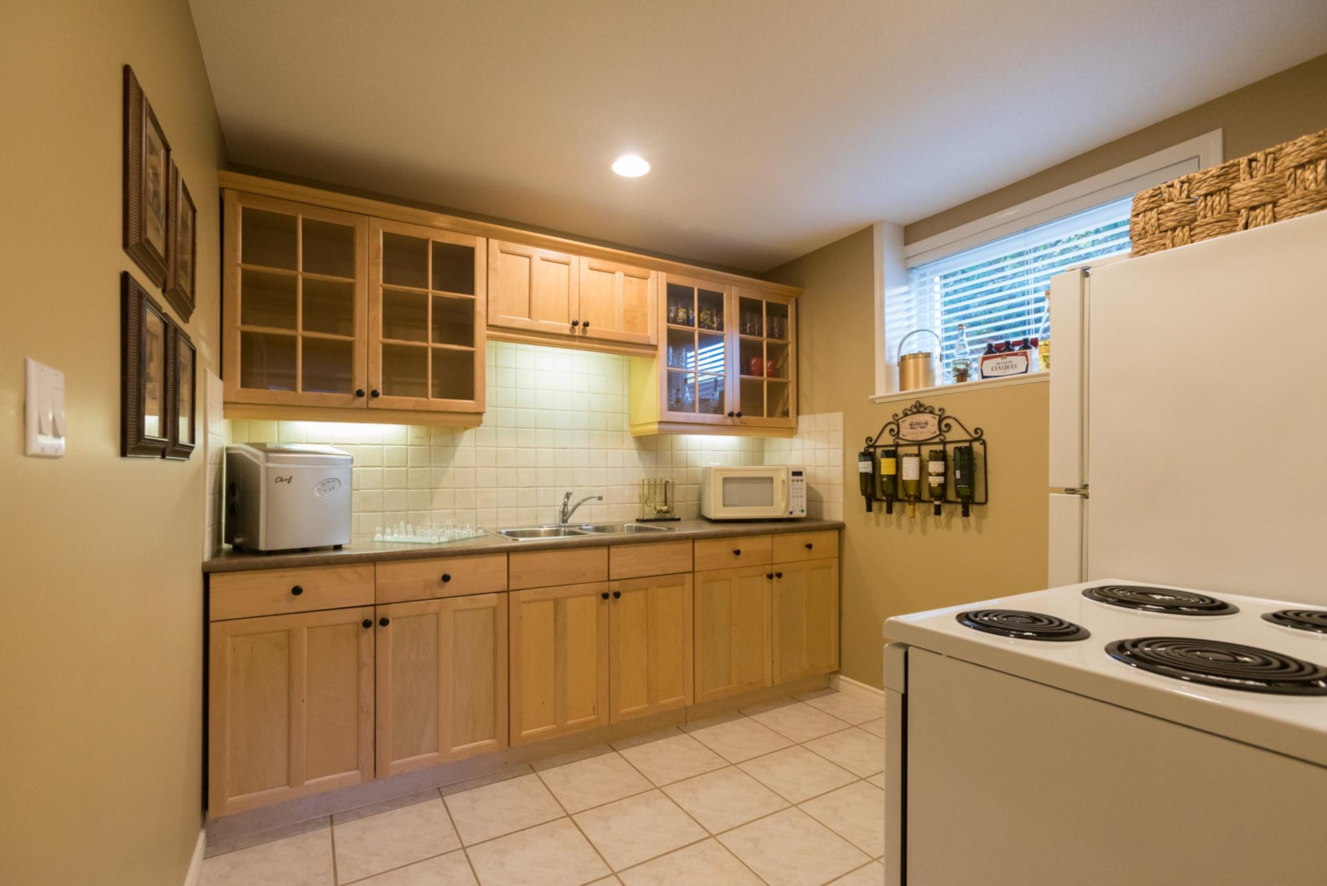 Basement Kitchen at 7378 146 Street, East Newton, Surrey