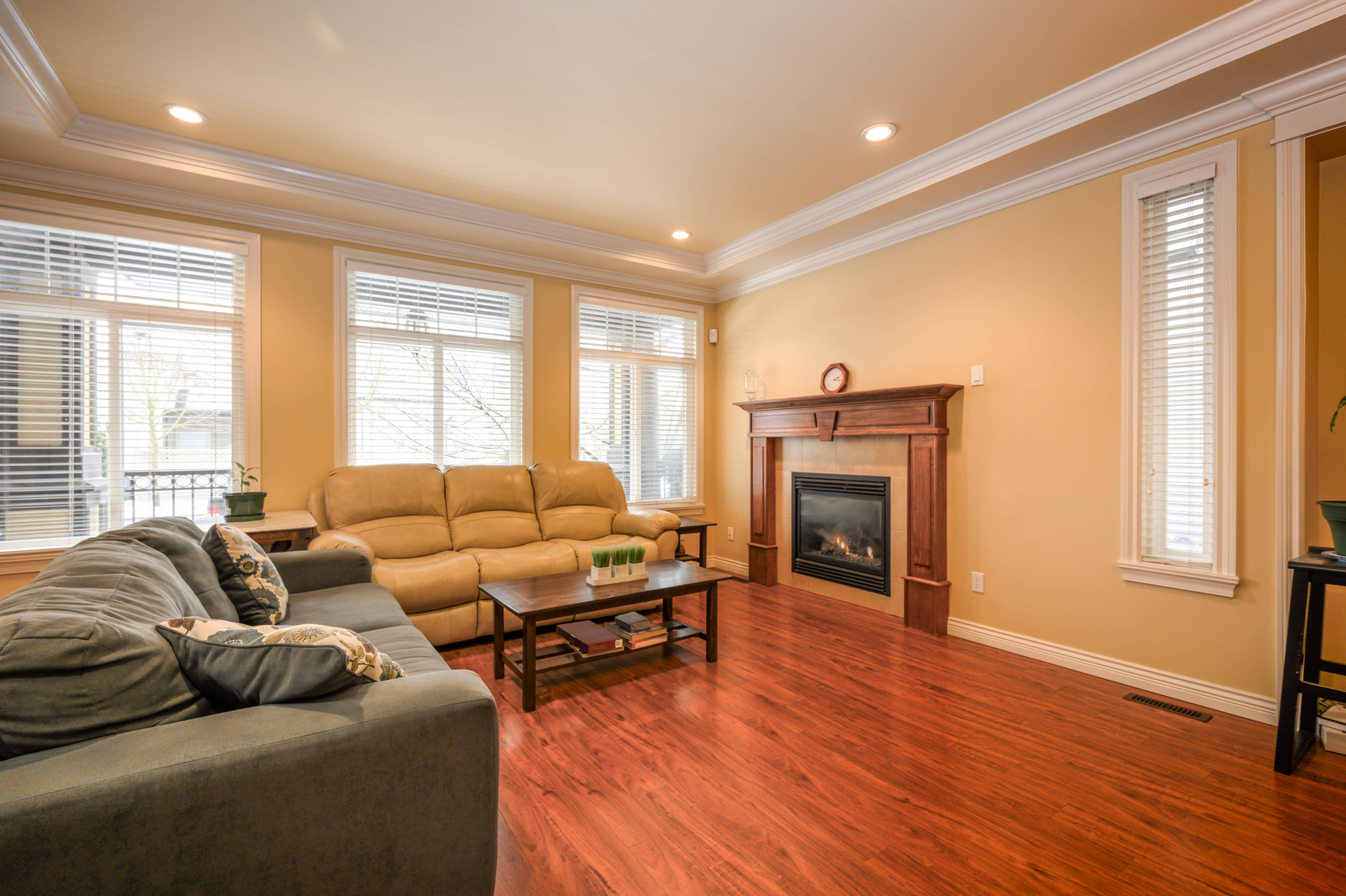 living-room at  19509 71a Avenue, Clayton, Cloverdale