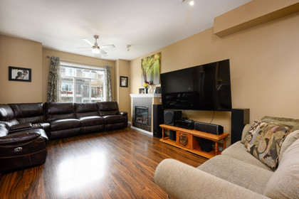 family-room at 75 - 19455 65 Avenue, Clayton, Cloverdale