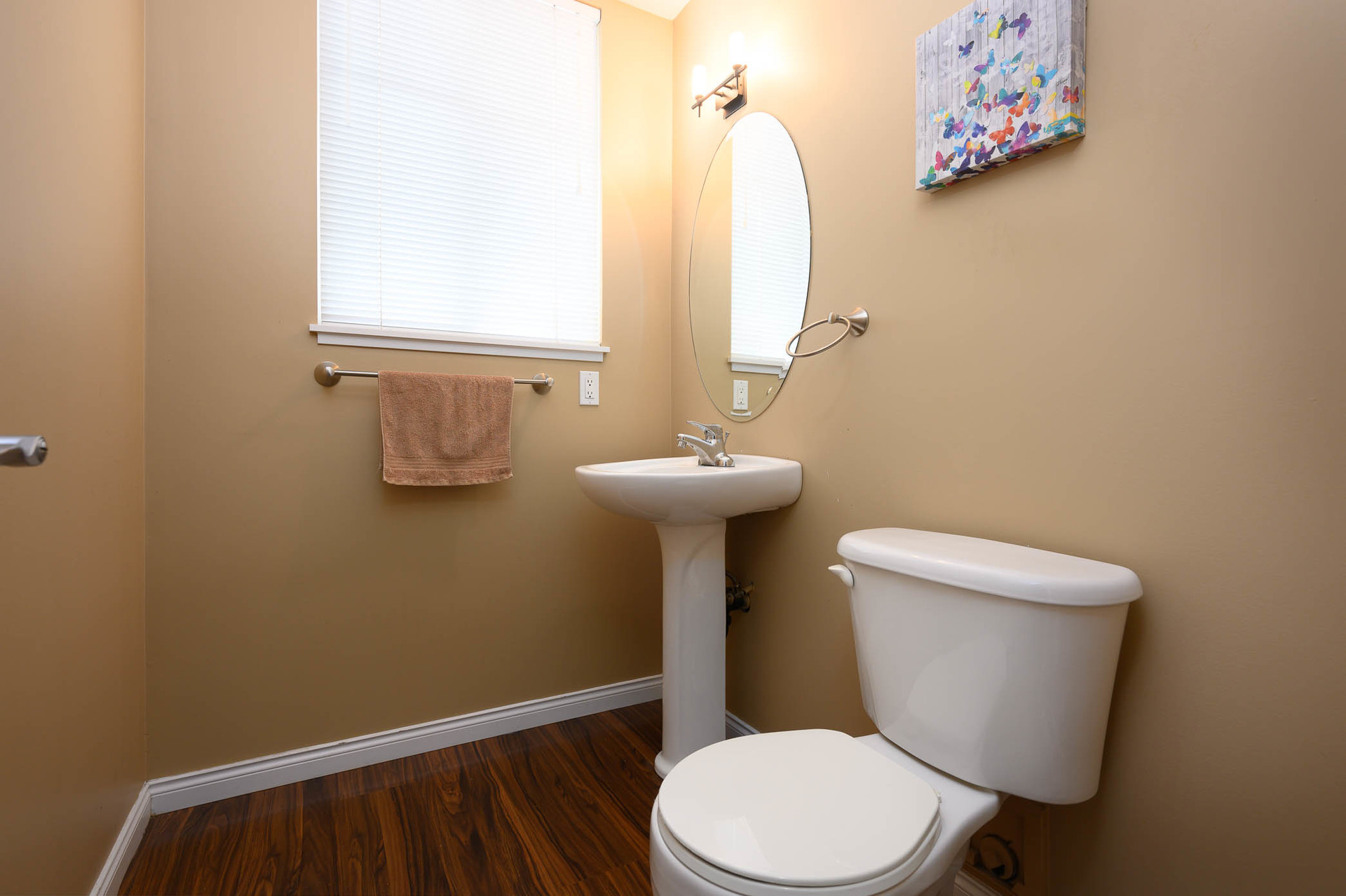 powder-room at 75 - 19455 65 Avenue, Clayton, Cloverdale