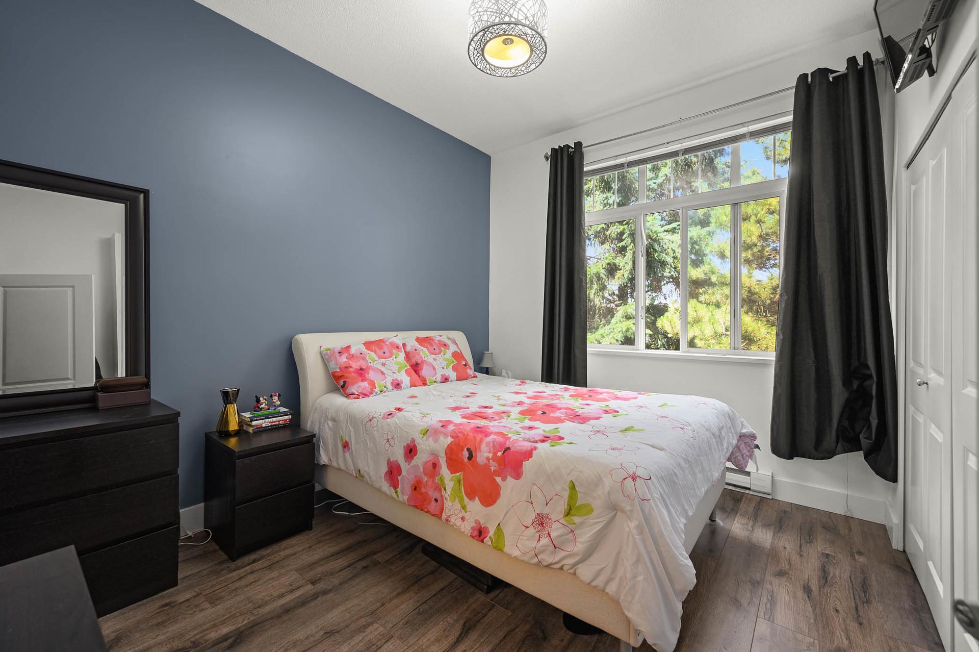 Master Bedroom at 15 - 16233 83 Ave, Fleetwood Tynehead, Surrey