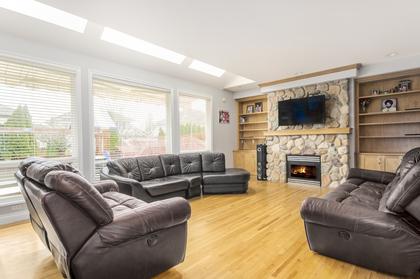 Family Room at 7310 146 Street, East Newton, Surrey