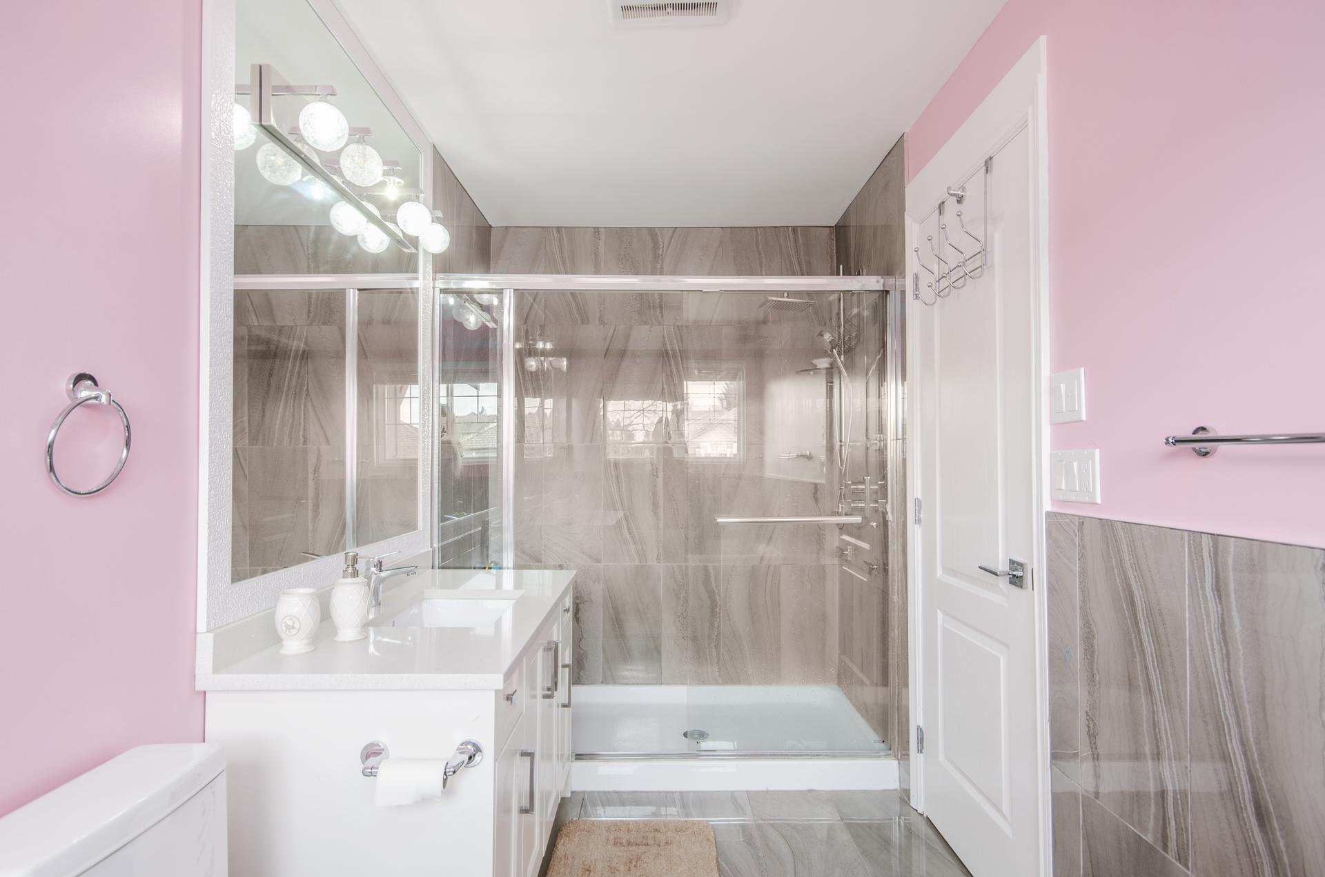 Master Washroom at 7310 146 Street, East Newton, Surrey