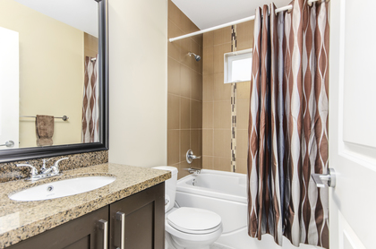Full Washroom at 7146 195 Street, Clayton, Cloverdale