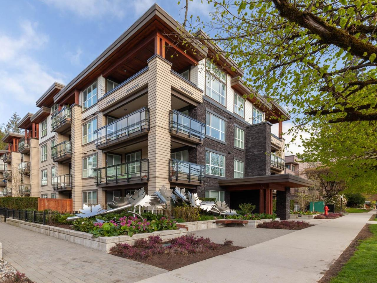 303 - 3205 Mountain Highway, Lynn Valley, North Vancouver