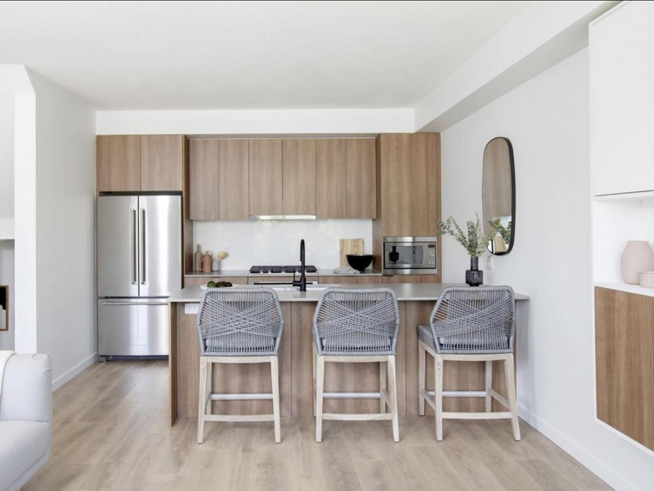 4 - 533 E 3rd Street, Lower Lonsdale, North Vancouver