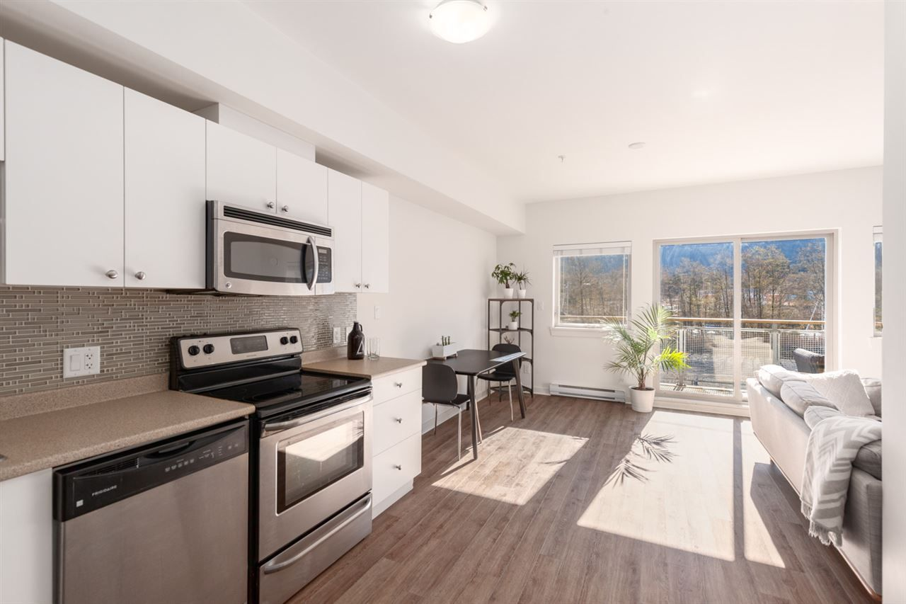 304 - 38142 Cleveland Avenue, Downtown SQ, Squamish
