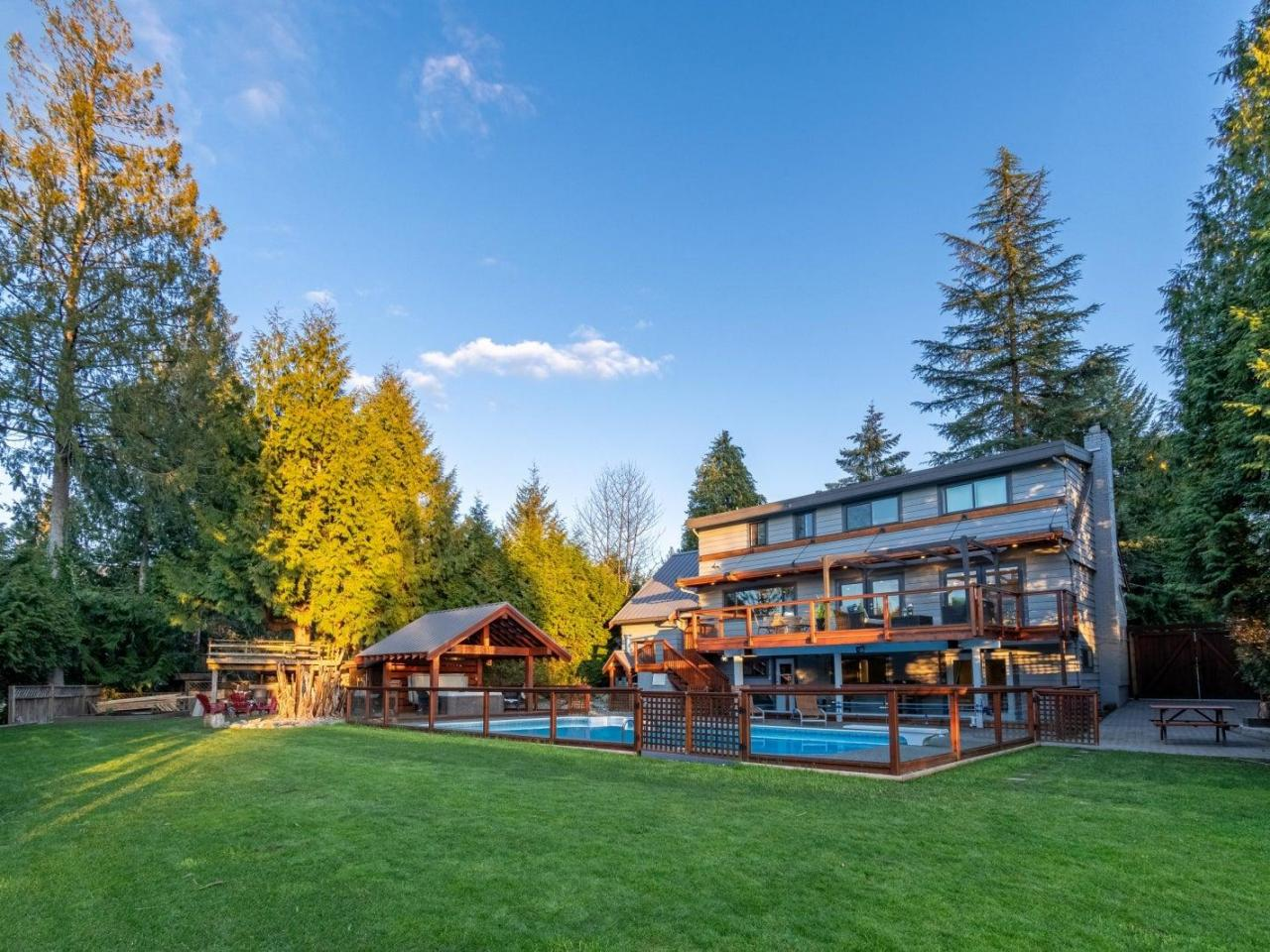 2877 Wembley Place, Westlynn Terrace, North Vancouver