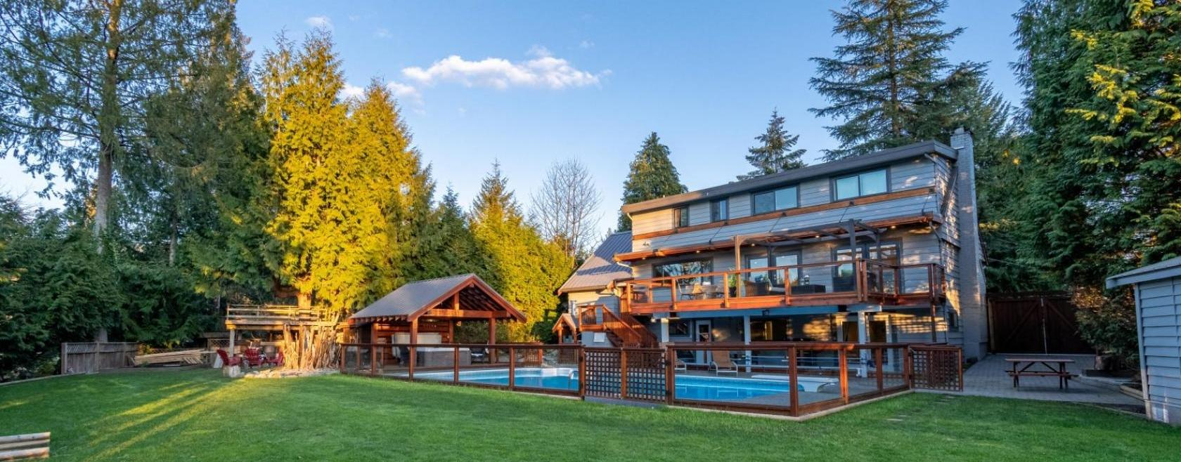 2877 Wembley Place, Westlynn Terrace, North Vancouver 2