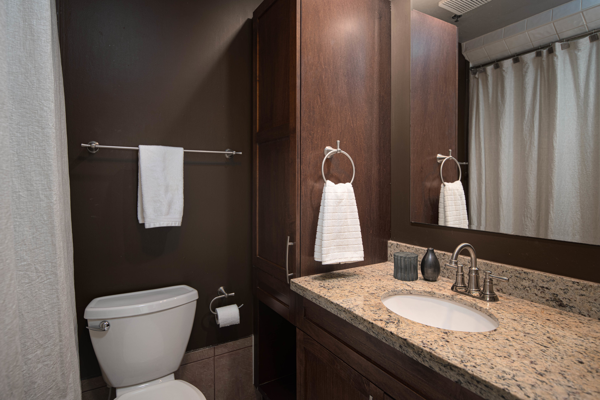 Full ensuite bath with a deep soaker tub at 3005 Laurel Street, Fairview VW, Vancouver West