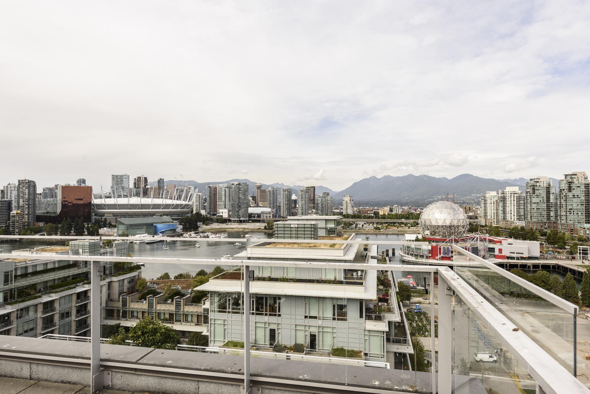 at 1402 - 1661 Ontario Street, False Creek, Vancouver West