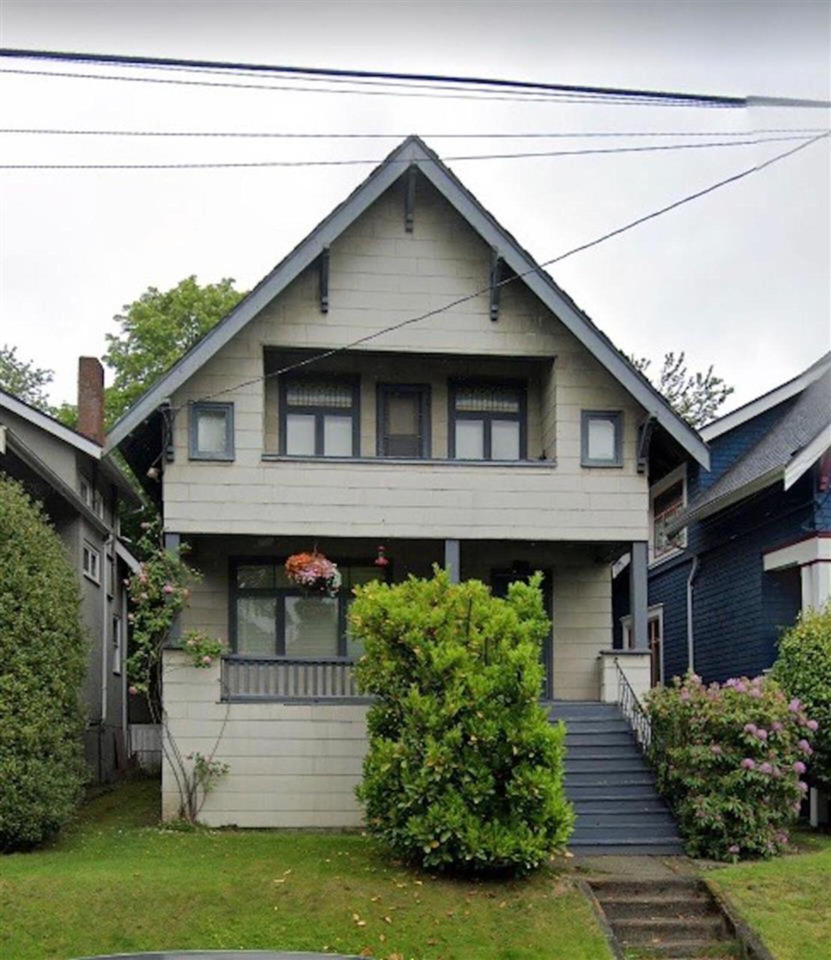 2934-ontario-street-mount-pleasant-ve-vancouver-east-01 at 2934 Ontario Street, Mount Pleasant VE, Vancouver East