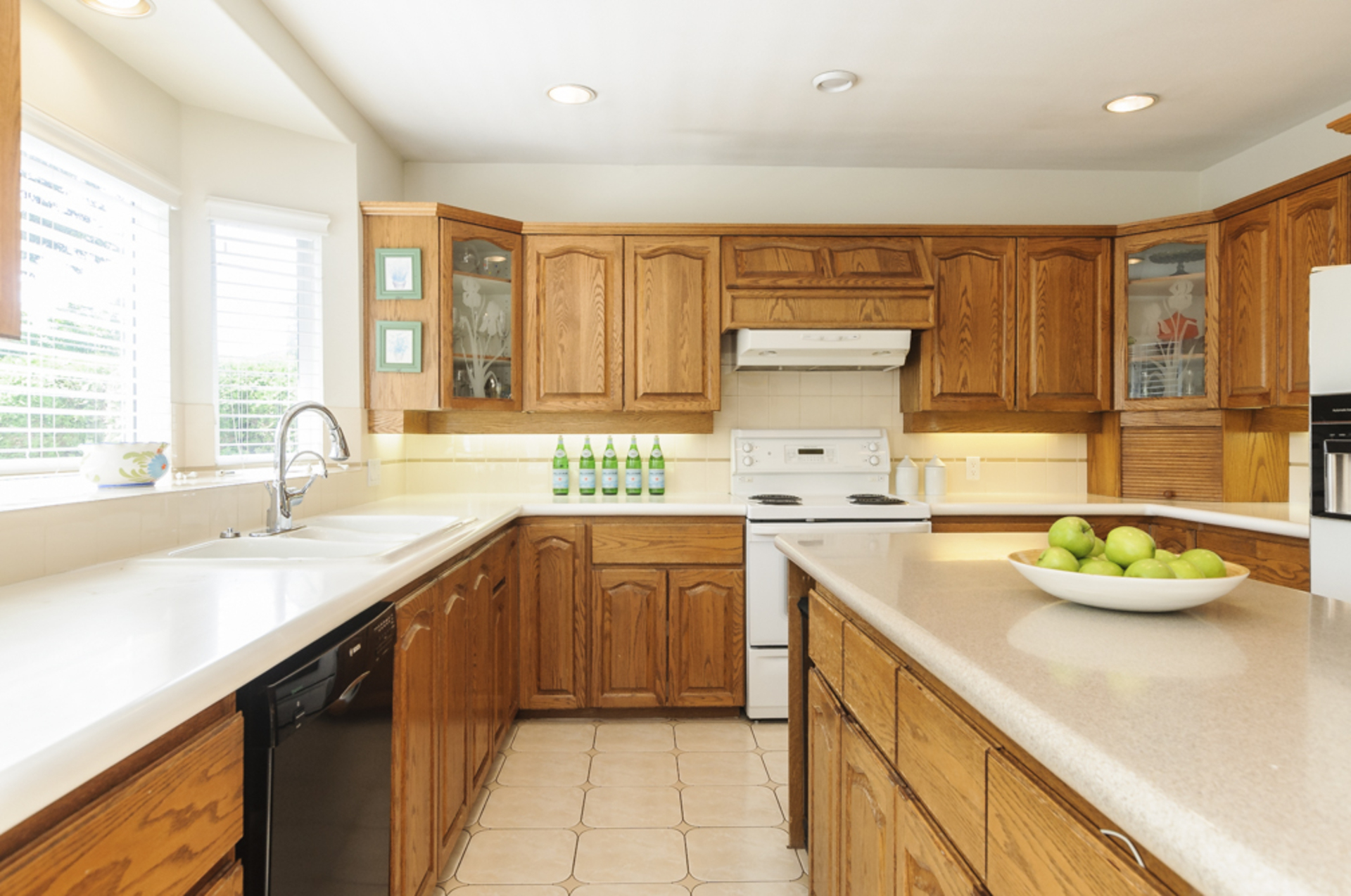 Great kitchen for entertaining! at 1178 West 42nd Avenue, South Granville, Vancouver West